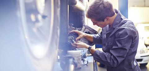 Comment gérer la protection sociale des salariés dans le secteur automobile ?